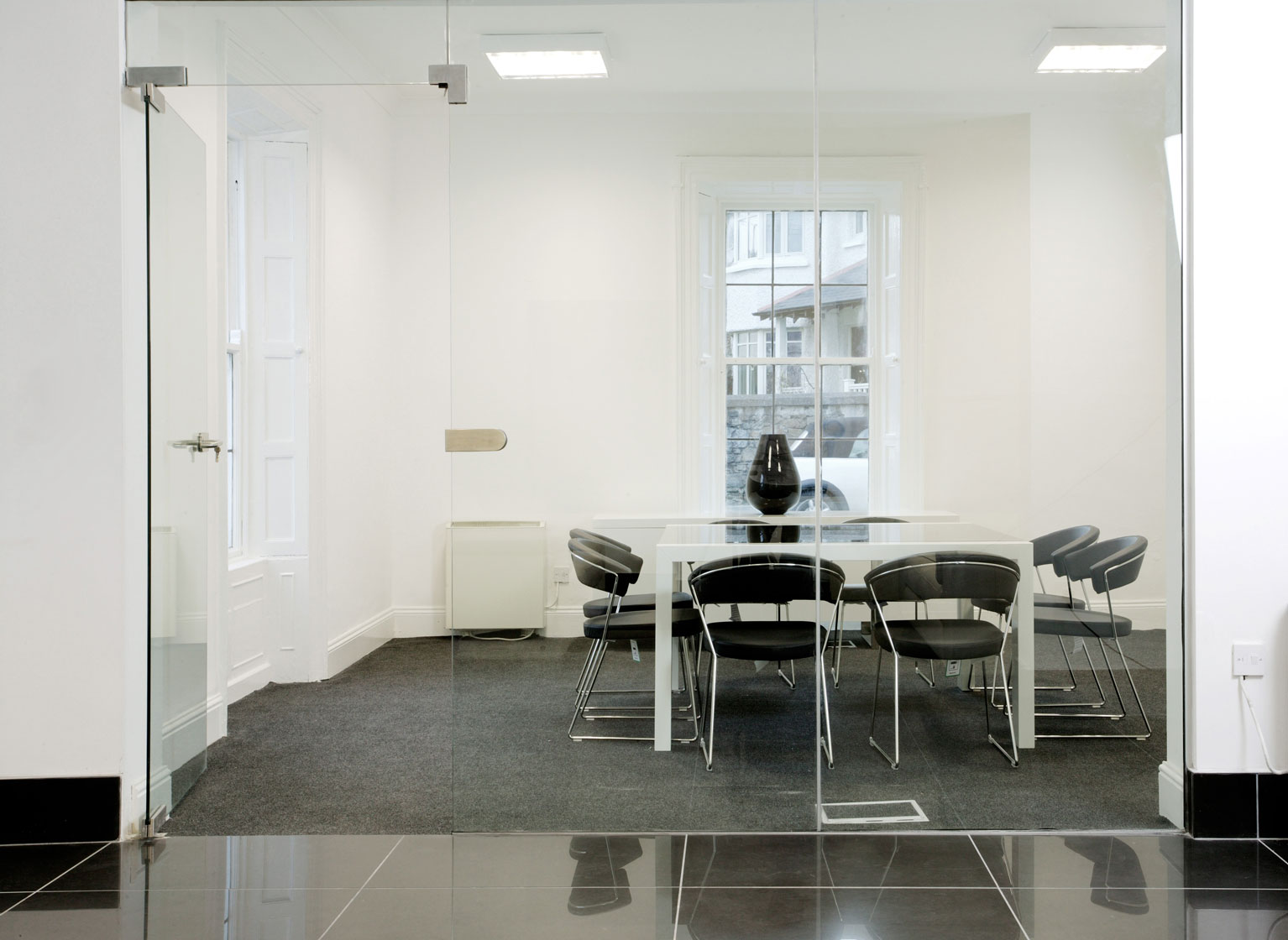 Meeting Room Close M50